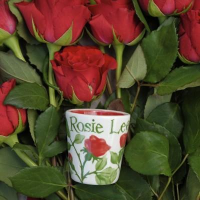Roseeggcupperroses1t.jpg